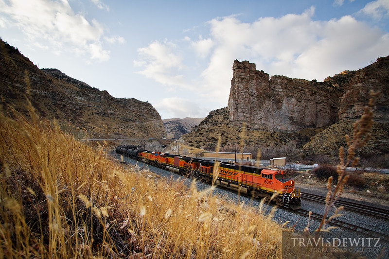 BNSF 6057 rolls through Castle Gate and into Helper, Utah.