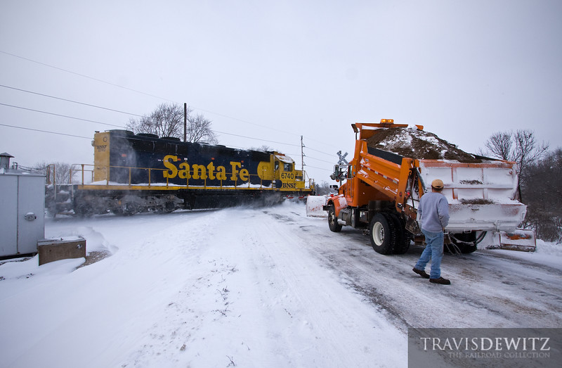"""The BNSF LaCrosse local flies up the St. Croix Sub as a strong winter storm has the county and local snow plows out in force trying to keep up with this storm.  Travis Dewitz <a href=""""http://www.therailroadcollection.com/latest-works/"""" target=""""_blank"""">The Railroad Collection</a>"""