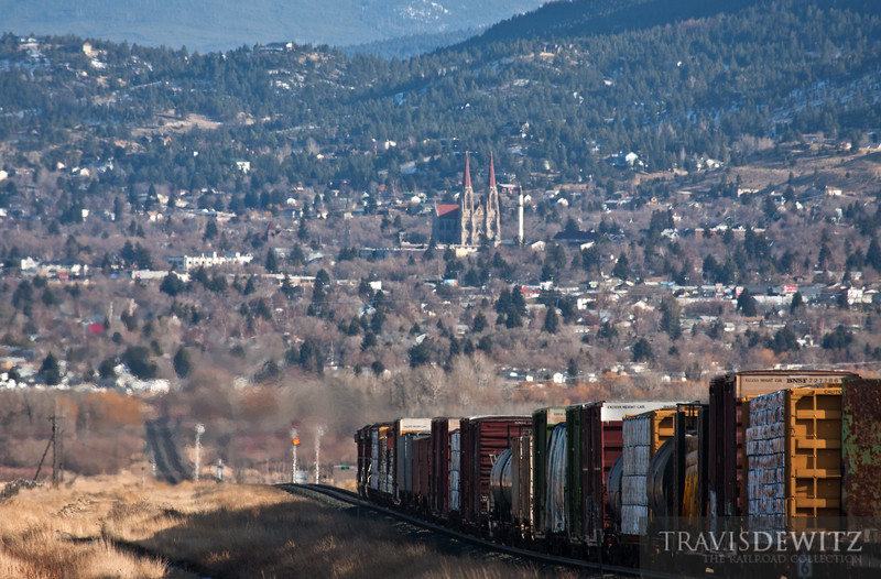 BNSF 5291 brings its train down into Helena after coming over Mullan Pass.