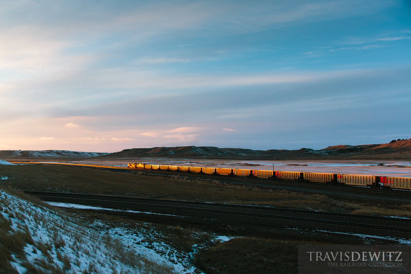 bnsf_8547_donkey_creek_sunset_rozet_wy