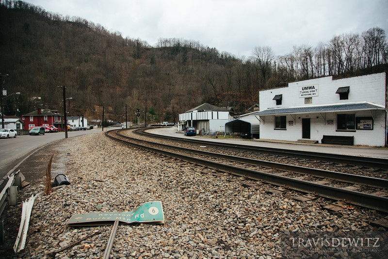 The Norfolk Southern mainline curves through Keystone, West Virginia past the UMWA.