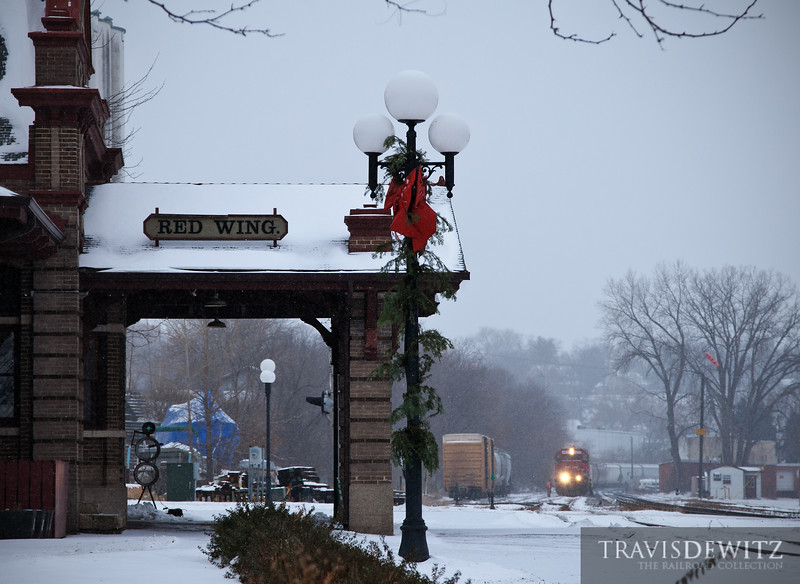 "The local switch out some cars at Red Wing, MN with Soo Line 4427 during the holiday season.  Travis Dewitz <a href=""http://www.therailroadcollection.com/latest-works/"" target=""_blank"">The Railroad Collection</a>"