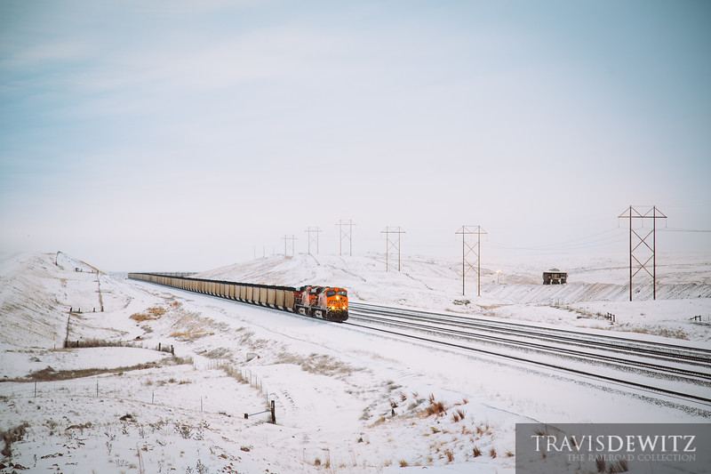 No. 5667 - BNSF Railway - Bill, Wyo.