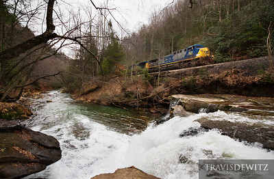 A RJ Corman crew takes empty coal hoppers up the Loup Creek to Pioneer Fuel Company in Pax, West Virginia.