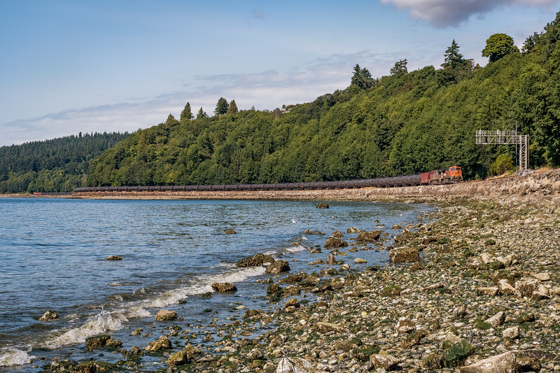 BNSF 5918 Along the Puget Sound