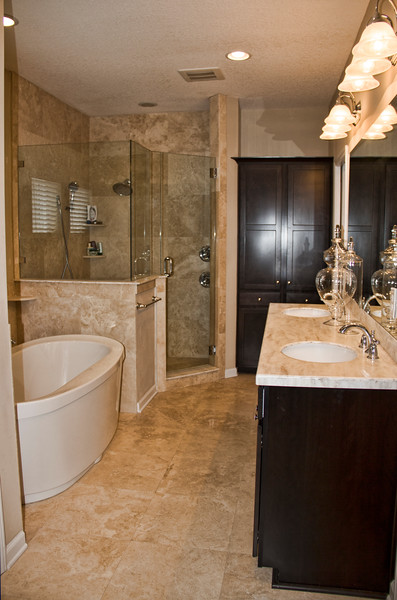 Master bath to a home in Ponte Vedra Beach, FL