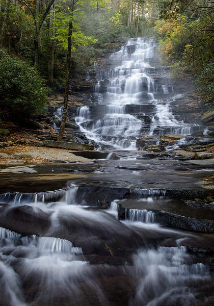 Cascades and Color