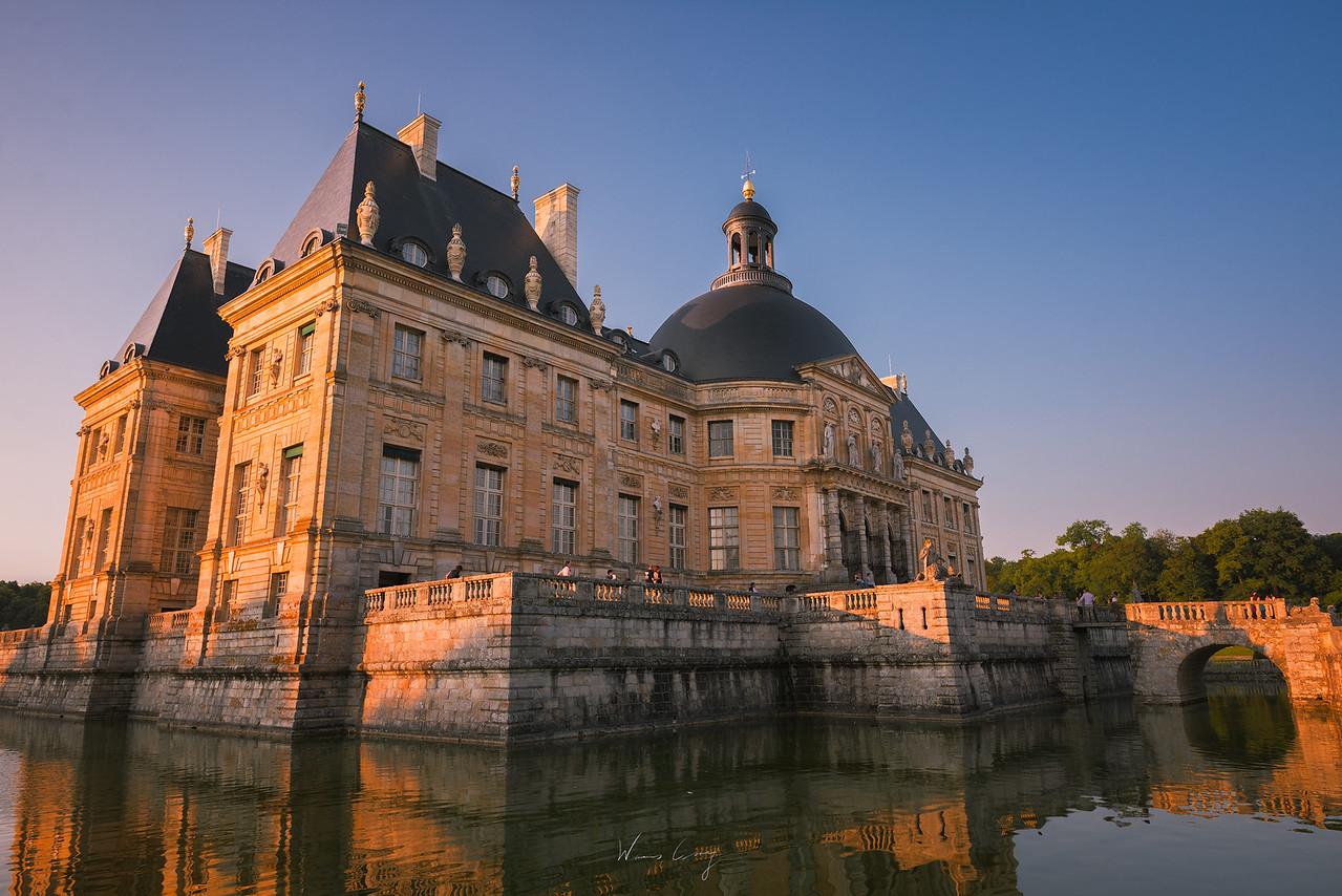 夜訪巴黎近郊子爵城堡 浪漫燭光中賞煙火 by 旅行攝影師張威廉 Wilhelm Chang