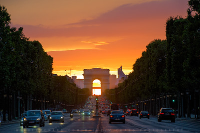 Arc de Triomphe at Dusk