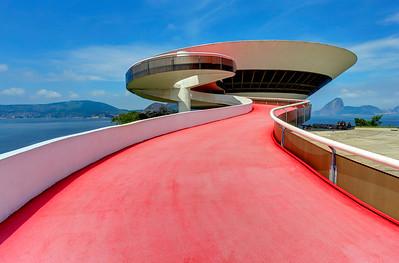 Niterói Contemporary Art Museum, Oscar Niemeyer,  Rio de Janeiro (1)
