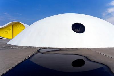 Memorial Roberto Silveira in Niterói by Oscar Niemeyer, Brazil (Brasil)