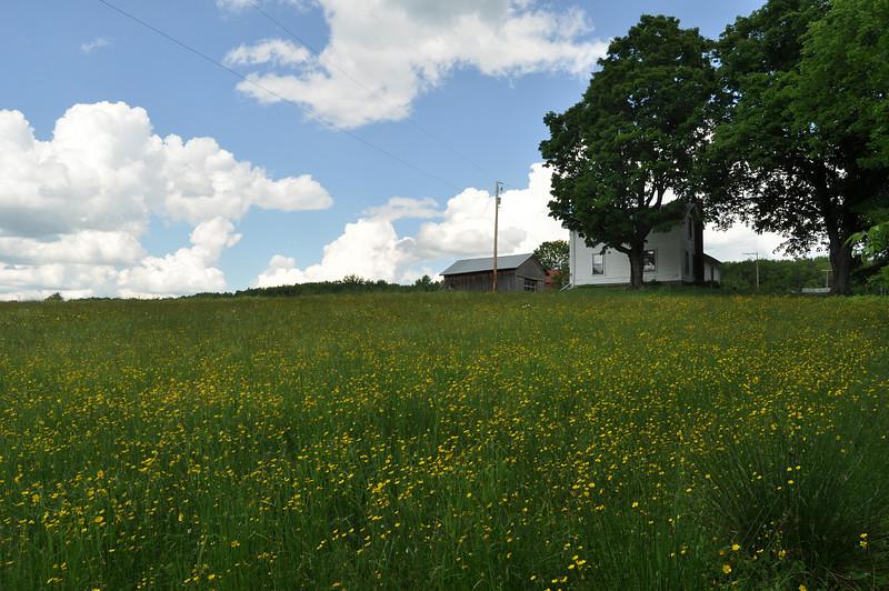 Hilltop farmhouse.  Nikon D5000 (2009).