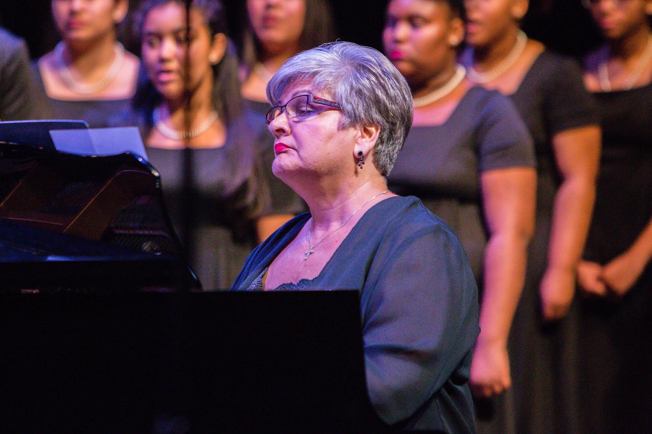 0090 Riverside HS Choirs - Fall Concert 10-28-16