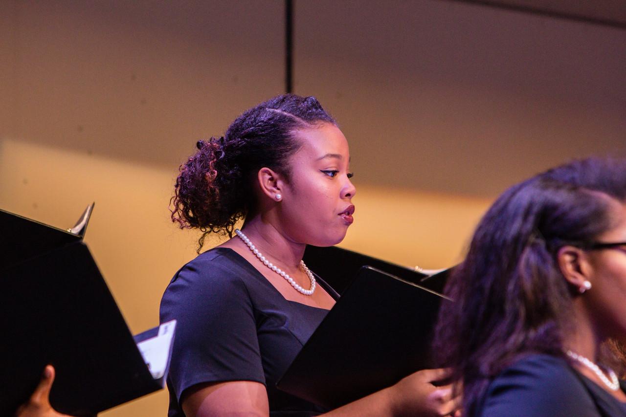 0390 Riverside HS Choirs - Fall Concert 10-28-16