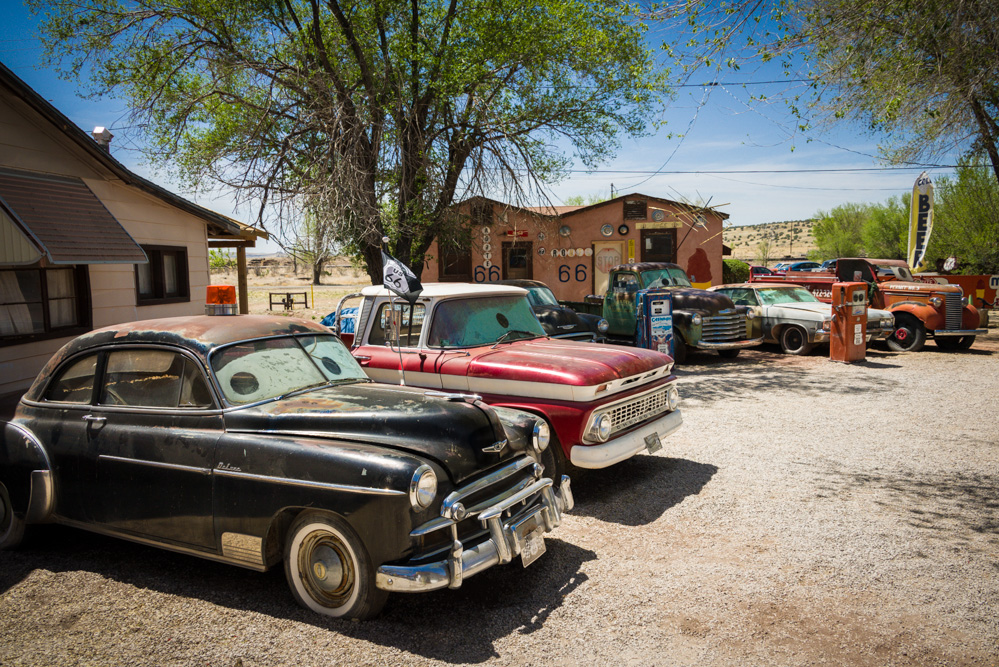 Antique and Old Cars & Trucks