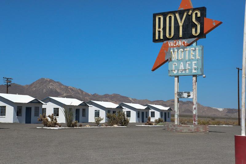 Amboy roy's motel