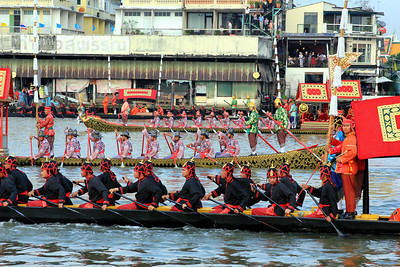 Royal Barge Procession Bangkok 6Nov12 (40)