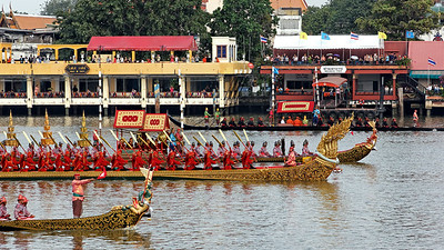 Royal Barge Procession 2Nov12 (8)