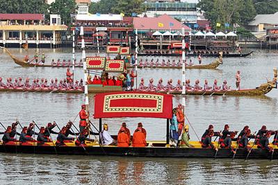Royal Barge Procession 2Nov12 (6)