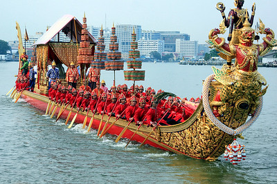 Royal Barge Procession Bangkok 6Nov12 (23)