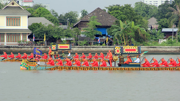 Royal Barge Procession Bangkok 6Nov12 (2)