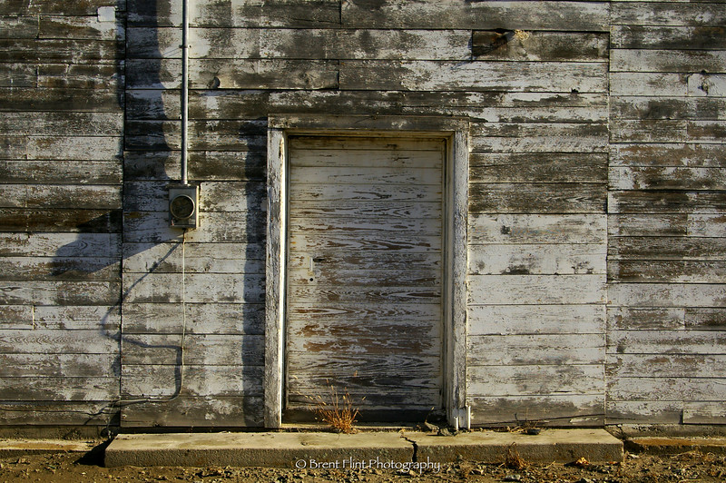 DF.345 - warehouse door, Oroville, WA.