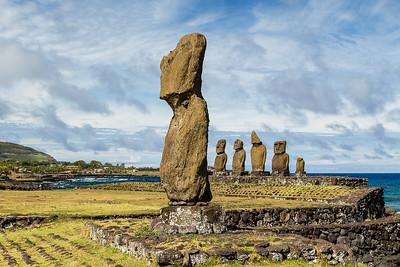 Moai, Ahu Tahai and Ahu Vai Ure