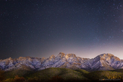 Snowy Catalinas with the stars 🌌