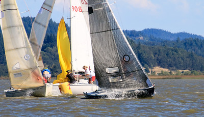 60 Grit leads as boats vie for space rounding the mark