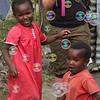 Tous les enfants du monde adorent les bulles de savon