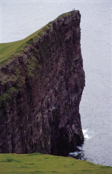 Cliffs at Hövdin, Enniberg, Vidöy