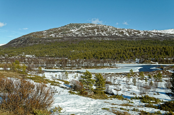 Sjodal in Jotunheimen on a warm Spring day