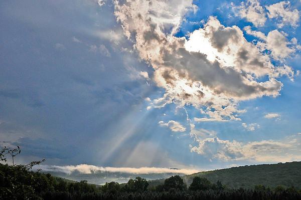 "<div class=""jaDesc""> <h4> Sunshine After the Storm - August 21, 2014 <p> </p> </h4></div>"