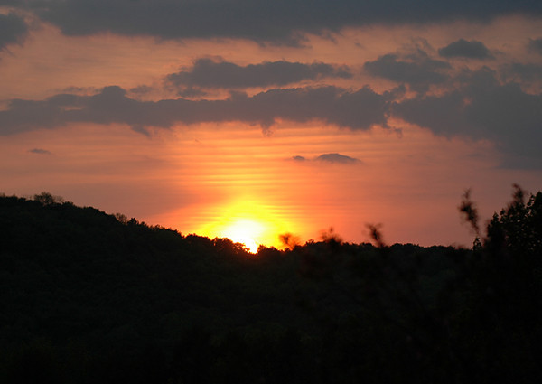 """<div class=""""jaDesc""""> <h4> Brilliant Summer Sunset - June 2005 </h4> <p> This was a particularly intense sunset in early June, 3 weeks before the summer solstice.</p> </div>"""