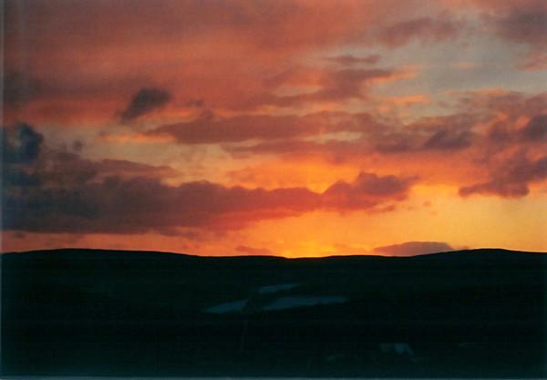 "<div class=""jaDesc""> <h4> Winter Solstice Sunset - December 21, 2000 </h4> <p> This winter solstice sunset had a fiery look to it..</p> </div>"