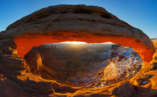 Mesa Arch At Sunrise