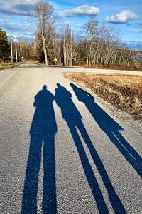 CP_scenic_friends_walking_012121_RW