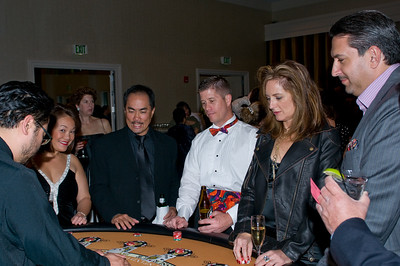 Chris and Ray Choye and Shannon Fields play Black Jack