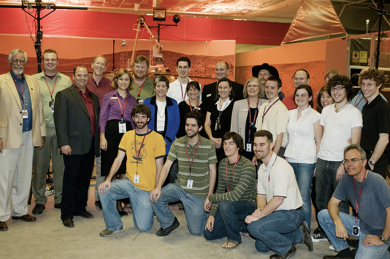 (2.13.2008 -- Tucson, AZ)  Arizona Governor Janet Napolitano with the staff of the Phoenix Mars Mission.