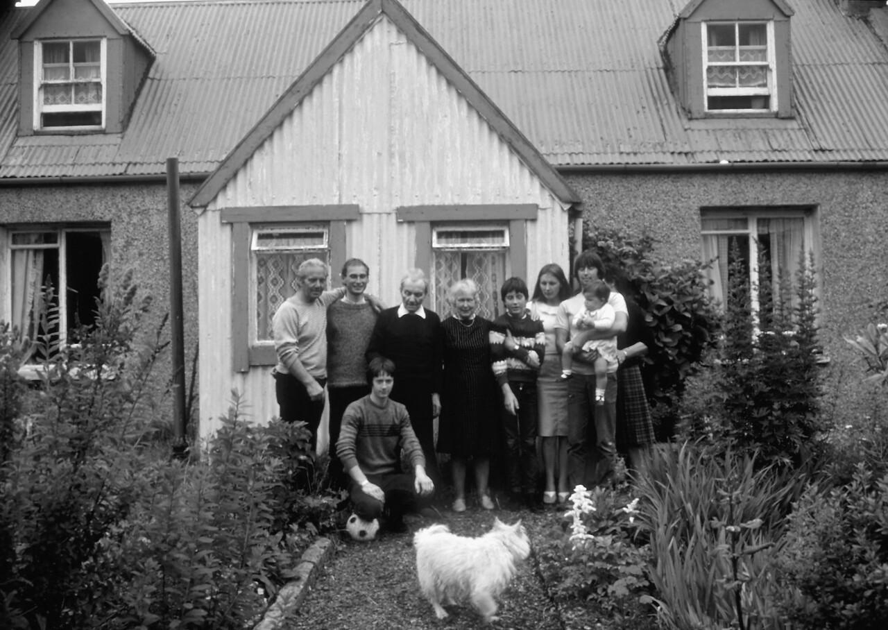 McLeod Family, Harris