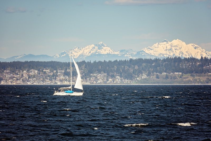 Sailing in sight of the Cascades