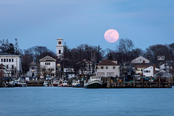 Equinox Super Moonrise over Stonington Boro