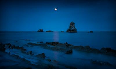 Mupe Bay Moon