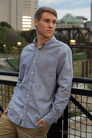 NOAH HIGHSCHOOL SENIOR-38