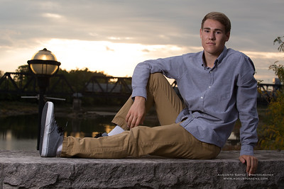 NOAH HIGHSCHOOL SENIOR-33