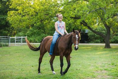 Sadie_Horses-320
