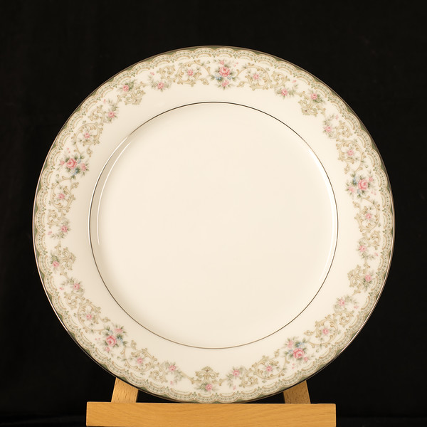 Edgewood Noritake Plate Front