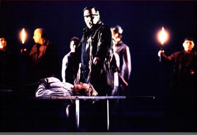 Hagen gloats over Siegfried's corpse