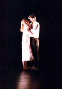 Rodolfo & Mimi kiss