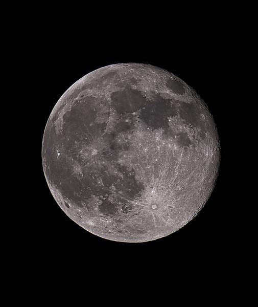 The Moon<br /> <br /> Canon 7D + Takahashi FSQ-106ED